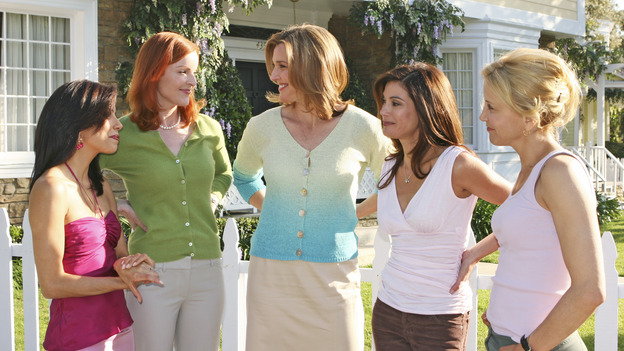 "DESPERATE HOUSEWIVES - ""One Wonderful Day"" - It's a not-so-wonderful day in the neighborhood, as past actions come back to haunt the men and women of Wisteria Lane. Meanwhile, the ladies get a new neighbor (Emmy winner Alfre Woodard as Betty Applewhite), on ""Desperate Housewives,"" SUNDAY, MAY 22 (9:00-10:02 p.m., ET), on the ABC Television Network. (ABC/DANNY FELD) EVA LONGORIA, MARCIA CROSS, BRENDA STRONG, TERI HATCHER, FELICITY HUFFMAN"