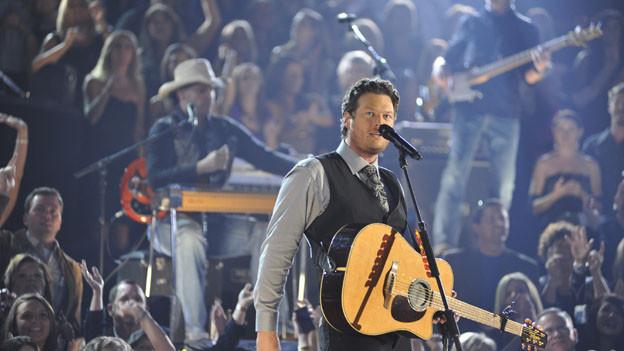 "THE 44TH ANNUAL CMA AWARDS - THEATRE - ""The 44th Annual CMA Awards"" were broadcast live from the Bridgestone Arena in Nashville, WEDNESDAY, NOVEMBER 10 (8:00-11:00 p.m., ET) on the ABC Television Network. (ABC/KATHERINE BOMBOY)BLAKE SHELTON"