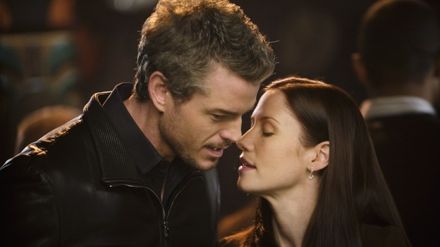 "GREY'S ANATOMY - ""Beat Your Heart Out"" - Mark and Lexie flirt at Joe's Bar, on ""Grey's Anatomy,"" THURSDAY, FEBRUARY 5 (9:00-10:02 p.m., ET) on the ABC Television Network. (ABC/RANDY HOLMES) ERIC DANE, CHYLER LEIGH"