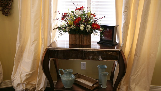 "EXTREME MAKEOVER HOME EDITION - ""Usea Family,"" -  Living Room Detail, on ""Extreme Makeover Home Edition,"" Sunday, May 18th on the ABC Television Network."