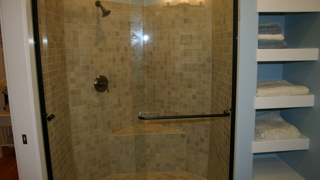 EXTREME MAKEOVER HOME EDITION - &quot;Ripatti Family,&quot; - Bathroom, on &quot;Extreme Makeover Home Edition,&quot; Sunday, December 10th on the ABC Television Network.