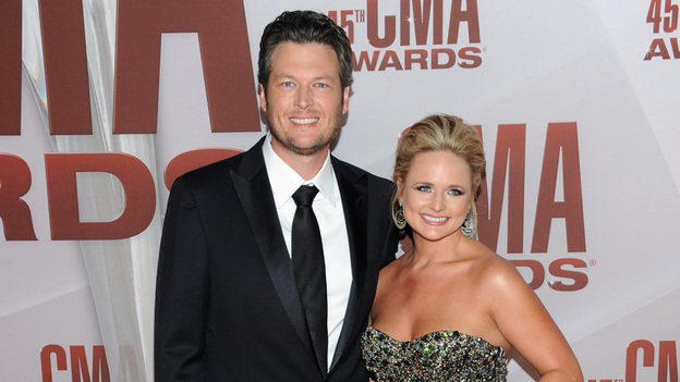 "THE 45th ANNUAL CMA AWARDS - RED CARPET ARRIVALS - ""The 45th Annual CMA Awards"" will broadcast live on ABC from the Bridgestone Arena in Nashville on WEDNESDAY, NOVEMBER 9 (8:00-11:00 p.m., ET). (ABC/JASON KEMPIN)BLAKE SHELTON, MIRANDA LAMBERT"