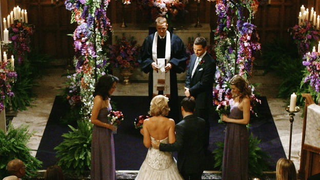 "GREY'S ANATOMY - ""What a Difference a Day Makes"" - Geogrge gives his best friend, Izzie, away to be married, on ""Grey's Anatomy,"" THURSDAY, MAY 7 (9:00-10:02 p.m., ET) on the ABC Television Network. SANDRA OH, KATHERINE HEIGL, MICKEY MAXWELL, T.R. KNIGHT, JUSTIN CHAMBERS, ELLEN POMPEO"