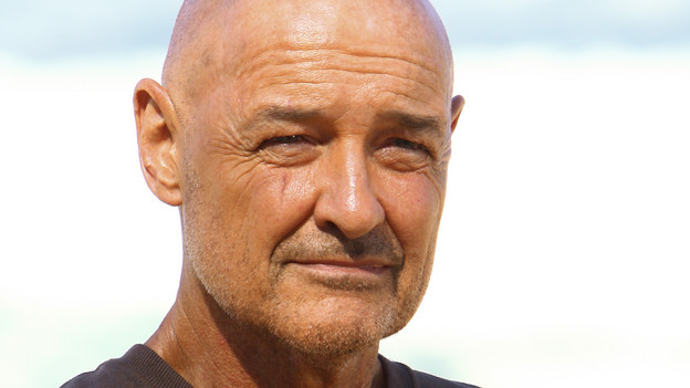 "LOST - ""The Package"" - Sun and Jin desperately continue their search for one another, and Locke confronts his enemy, on ""Lost,"" TUESDAY, MARCH 30 (9:00-10:02 p.m., ET) on the ABC Television Network. (ABC/MARIO PEREZ)TERRY O'QUINN"
