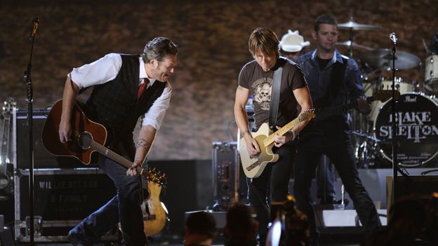 "THE 46TH ANNUAL CMA AWARDS - THEATRE - ""The 46th Annual CMA Awards"" airs live THURSDAY, NOVEMBER 1 (8:00-11:00 p.m., ET) on ABC live from the Bridgestone Arena in Nashville, Tennessee. (ABC/KATHERINE BOMBOY-THORNTON)BLAKE SHELTON, KEITH URBAN"