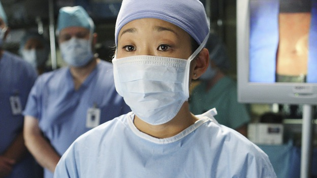 "GREY'S ANATOMY - ""Stand By Me"" - Cristina tells the room that Izzie has cancer before she operates, on ""Grey's Anatomy,"" THURSDAY, MARCH 19 (9:00-10:02 p.m., ET) on the ABC Television Network. (ABC/CRAIG SJODIN) SANDRA OH"