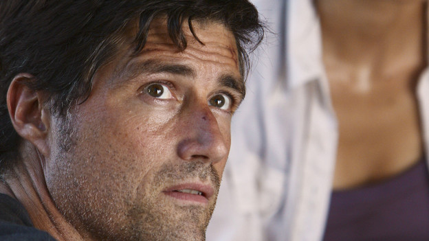 "LOST - ""The Package"" - Sun and Jin desperately continue their search for one another, and Locke confronts his enemy, on ""Lost,"" TUESDAY, MARCH 30 (9:00-10:02 p.m., ET) on the ABC Television Network. (ABC/MARIO PEREZ)MATTHEW FOX, YUNJIN KIM"