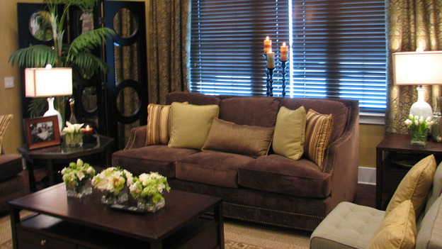 EXTREME MAKEOVER HOME EDITION - &quot;Guinta,&quot; -&nbsp; Living Room, on &quot;Extreme Makeover Home Edition,&quot; Sunday, May 11th on the ABC Television Network.