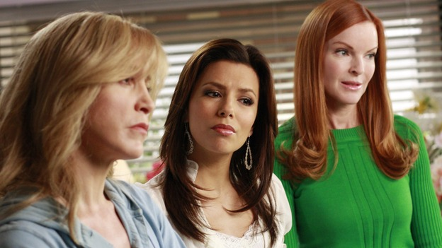 "DESPERATE HOUSEWIVES - ""The Gun Song"" - The ladies of Wisteria Lane meet Susan and Mike's new baby, Gaby forms a strong bond with their new tenant, Ellie, and Lynette is accused of child abuse, on Desperate Housewives,"" SUNDAY, MAY 18 (9:00-10:00 p.m., ET) on the ABC Television Network. (ABC/RON TOM)FELICITY HUFFMAN, EVA LONGORIA PARKER, MARCIA CROSS"