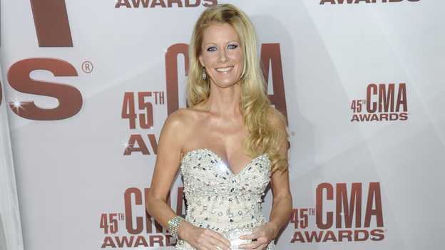 "THE 45th ANNUAL CMA AWARDS - RED CARPET ARRIVALS - ""The 45th Annual CMA Awards"" will broadcast live on ABC from the Bridgestone Arena in Nashville on WEDNESDAY, NOVEMBER 9 (8:00-11:00 p.m., ET). (ABC/JASON KEMPIN)SANDRA LEE"