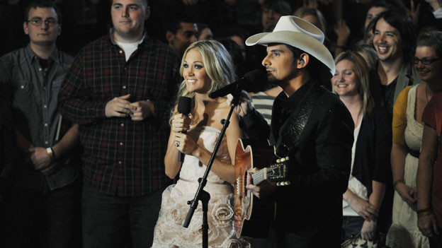 "THE 44TH ANNUAL CMA AWARDS - THEATRE - ""The 44th Annual CMA Awards"" were broadcast live from the Bridgestone Arena in Nashville, WEDNESDAY, NOVEMBER 10 (8:00-11:00 p.m., ET) on the ABC Television Network. (ABC/KATHERINE BOMBOY)CARRIE UNDERWOOD, BRAD PAISLEY"