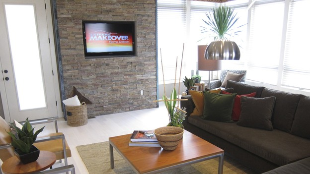 EXTREME MAKEOVER HOME EDITION - &quot;Gomez Family,&quot; - Living Room  Picture,  on   &quot;Extreme Makeover Home Edition,&quot; Sunday, October 2nd     (8:00-9:00   p.m.  ET/PT) on the ABC Television Network.