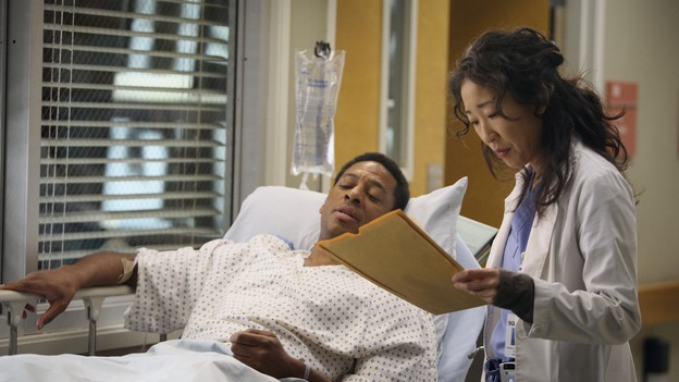 "GREY'S ANATOMY - ""Great Expectations"" - While rumors of the Chief's departure spread among the hospital staff, Bailey proposes the creation of a free clinic, and a Seattle Grace doctor receives a proposal of a different sort, on ""Grey's Anatomy,"" THURSDAY, JANUARY 25 (9:00-10:01 p.m., ET) on the ABC Television Network. (ABC/DANNY FELD)JOE HOLT, SANDRA OH"