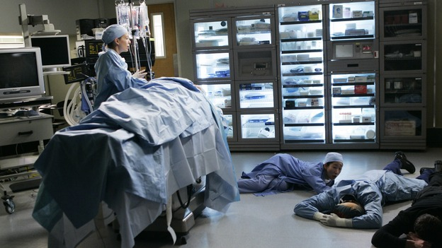 "GREY'S ANATOMY - ""It's the End of the World (As We Know It)"" (ABC/PETER ""HOPPER"" STONE)ELLEN POMPEO, SANDRA OH, ISAIAH WASHINGTON, KYLE CHANDLER"