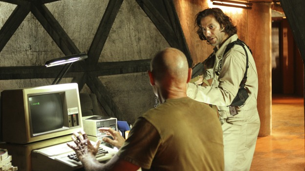 LOST - &quot;Adrift&quot; (ABC/MARIO PEREZ)TERRY O'QUINN, HENRY IAN CUSICK