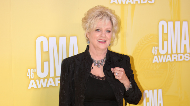 THE 46TH ANNUAL CMA AWARDS - RED CARPET ARRIVALS - &quot;The 46th Annual CMA Awards&quot; airs live THURSDAY, NOVEMBER 1 (8:00-11:00 p.m., ET) on ABC live from the Bridgestone Arena in Nashville, Tennessee. (ABC/SARA KAUSS)CONNIE SMITH