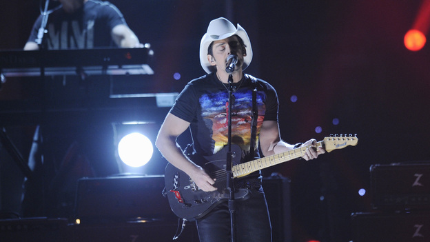 "THE 46TH ANNUAL CMA AWARDS - THEATRE - ""The 46th Annual CMA Awards"" airs live THURSDAY, NOVEMBER 1 (8:00-11:00 p.m., ET) on ABC live from the Bridgestone Arena in Nashville, Tennessee. (ABC/KATHERINE BOMBOY-THORNTON)BRAD PAISLEY"