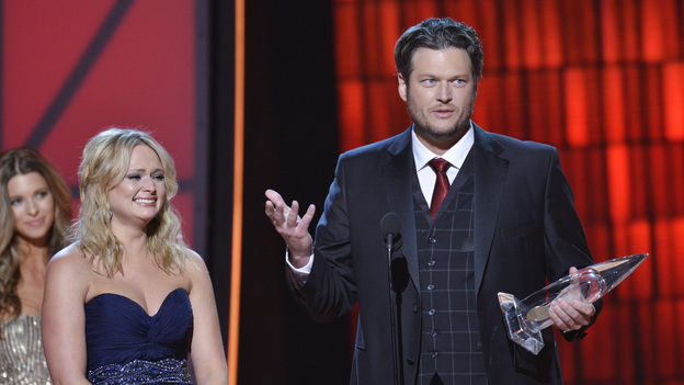 "THE 46TH ANNUAL CMA AWARDS - THEATRE - ""The 46th Annual CMA Awards"" airs live THURSDAY, NOVEMBER 1 (8:00-11:00 p.m., ET) on ABC live from the Bridgestone Arena in Nashville, Tennessee. (ABC/KATHERINE BOMBOY-THORNTON) MIRANDA LAMBERT, BLAKE SHELTON"
