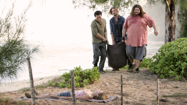 LOST - &quot;Expos&quot; - Hurley begins to suspect that Sawyer may be involved in an island mystery surrounding two fellow survivors, and Sun learns the truth about her past kidnapping attempt by &quot;The Others,&quot; on &quot;Lost,&quot; WEDNESDAY, MARCH 28 (10:00-11:00 p.m., ET), on the ABC Television Network. (ABC/MARIO PEREZ)DANIEL DAE KIM, JOSH HOLLOWAY, JORGE GARCIA