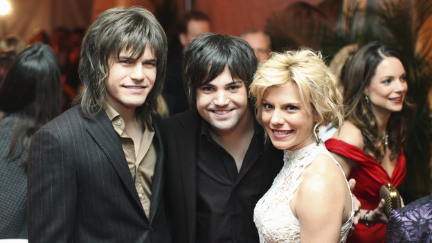 "THE 45th ANNUAL CMA AWARDS - RED CARPET ARRIVALS - ""The 45th Annual CMA Awards"" will broadcast live on ABC from the Bridgestone Arena in Nashville on WEDNESDAY, NOVEMBER 9 (8:00-11:00 p.m., ET). (ABC/SARA KAUSS)THE BAND PERRY"