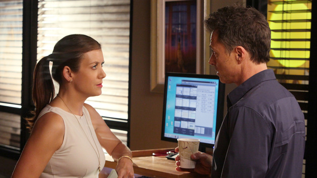 "PRIVATE PRACTICE - ""True Colors"" - Addison, Pete and the team treat an illegal immigrant facing deportation who self-induces her pregnancy so that her child will be a U.S. citizen; Cooper and Violet work with a young girl who has gender identity disorder - and with her parents -- and Violet wants to continue therapy with Pete before they begin dating again, on Private Practice, TUESDAY, MAY 1 (10:01-11:00 p.m., ET) on the ABC Television Network. (ABC/DANNY FELD)KATE WALSH, TIM DALY"