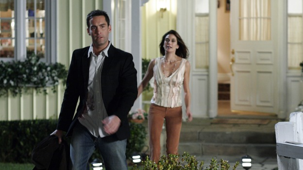 "DESPERATE HOUSEWIVES - ""There's Something About War"" (ABC/RON TOM)JAY HARRINGTON, TERI HATCHER"