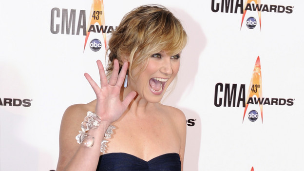 "THE 43rd ANNUAL CMA AWARDS - RED CARPET ARRIVALS - ""The 43rd Annual CMA Awards"" will be broadcast live from the Sommet Center in Nashville, WEDNESDAY, NOVEMBER 11 (8:00-11:00 p.m., ET) on the ABC Television Network. (ABC/DONNA SVENNEVIK)JENNIFER NETTLES"