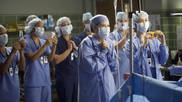 GREY'S ANATOMY - &quot;Hope for the Hopeless&quot; - Richard performs his 10,000th surgery on a pair of bickering sisters (Nia Vardalos and Peri Gilpin) who come into the hospital for a liver transplant; Derek and Lexie take on a neuroblastoma case that has been previously deemed inoperable; Teddy and Cristina cross the line when they go against Owen's orders and try to steal a case from Alex and Dr. McQueen; Ellis Grey's shadow looms as Meredith searches for a specialty; meanwhile Adele is brought into the hospital after she is found wandering the streets, on Grey's Anatomy, THURSDAY, JANUARY 19 (9:00-10:02 p.m., ET) on the ABC Television Network. (ABC/RANDY HOLMES)SARAH DREW