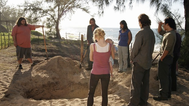 "LOST - ""Expos"" - Hurley begins to suspect that Sawyer may be involved in an island mystery surrounding two fellow survivors, and Sun learns the truth about her past kidnapping attempt by ""The Others,"" on ""Lost,"" WEDNESDAY, MARCH 28 (10:00-11:00 p.m., ET), on the ABC Television Network. (ABC/MARIO PEREZ)JORGE GARCIA, JOSH HOLLOWAY, EMILIE DE RAVIN, YUNJIN KIM, HENRY IAN CUSICK, DANIEL DAE KIM"