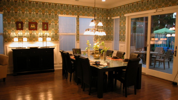EXTREME MAKEOVER HOME EDITION - &quot;Tom Family,&quot; - Dining Room, on &quot;Extreme Makeover Home Edition,&quot; Sunday, November 6th on the ABC Television Network.
