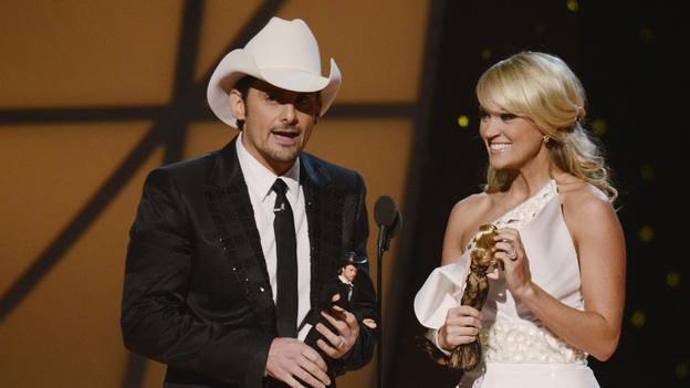 "THE 45th ANNUAL CMA AWARDS - THEATRE - ""The 45th Annual CMA Awards"" broadcast live on ABC from the Bridgestone Arena in Nashville on WEDNESDAY, NOVEMBER 9 (8:00-11:00 p.m., ET). (ABC/KATHERINE BOMBOY-THORNTON)BRAD PAISLEY, CARRIE UNDERWOOD"