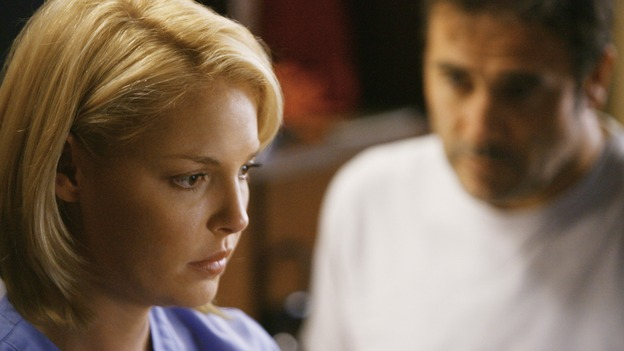 GREY'S ANATOMY - &quot;Rise Up&quot; - Izzie begins seeing Denny, on &quot;Grey's Anatomy,&quot; THURSDAY, NOVEMBER 6 (9:00-10:01 p.m., ET) on the ABC Television Network. (ABC/SCOTT GARFIELD) KATHERINE HEIGL, JEFFREY DEAN MORGAN