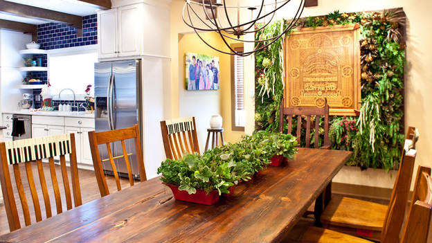 "EXTREME MAKEOVER HOME EDITION - ""Marshall-Spreier Family,"" - Dining  Room Picture, on ""Extreme Makeover Home Edition,"" Sunday, November 7th    (8:00-9:00 p.m. ET/PT) on the ABC Television Network."