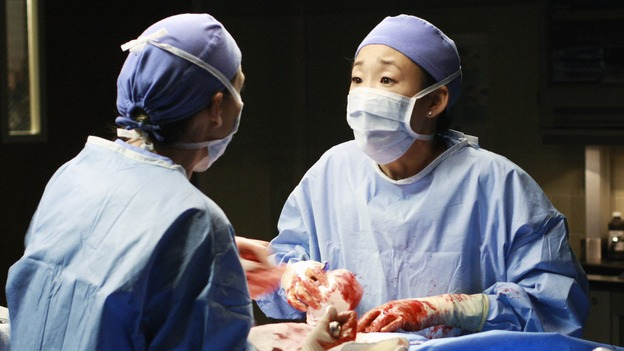 GREY'S ANATOMY - &quot;In The Midnight Hour&quot; - Meredith, Cristina and Bailey come to Lexie and Sadie's rescue when a routine surgery goes horribly wrong, on &quot;Grey's Anatomy,&quot; THURSDAY, NOVEMBER 20 (9:00-10:01 p.m., ET) on the ABC Television Network.  (ABC/RON TOM) ELLEN POMPEO, SANDRA OH, MELISSA GEORGE