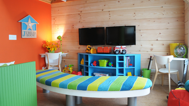 "EXTREME MAKEOVER HOME EDITION - ""Jubilee/Marshall Family,"" - Activity Room Picture, on  ""Extreme Makeover Home Edition,"" Sunday, September 25th       (7:00-9:00 p.m.  ET/PT) on the ABC Television Network."