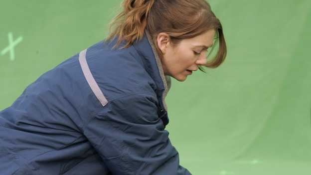 "GREY'S ANATOMY - ""Walk on Water"" - Ellen Pompeo puts producer/technical advisor Linda Klein's coaching to practice while shooting ""Grey's Anatomy"" on location at the Santa Anita Park in Arcadia, California. (ABC/VIVIAN ZINK)"