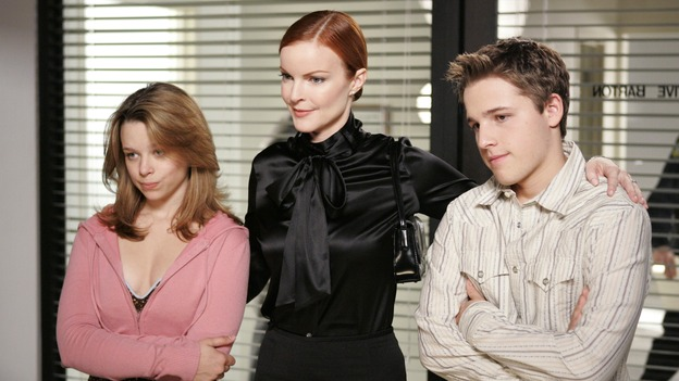 "DESPERATE HOUSEWIVES - ""You'll Never Get Away From Me"" (ABC/CRAIG SJODIN)JOY LAUREN, MARCIA CROSS, SHAWN PYFROM"