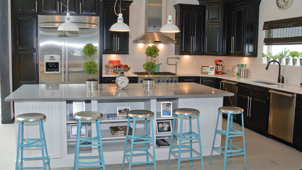 EXTREME MAKEOVER HOME EDITION - &quot;Lutz Family,&quot; - Kitchen Pictures, on &quot;Extreme Makeover Home Edition,&quot; Sunday, October 3rd(8:00-9:00 p.m. ET/PT) on the ABC Television Network.