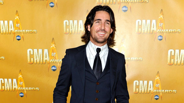 THE 44TH ANNUAL CMA AWARDS - RED CARPET ARRIVALS - &quot;The 44th Annual CMA Awards&quot; will be broadcast live from the Bridgestone Arena in Nashville, WEDNESDAY, NOVEMBER 10 (8:00-11:00 p.m., ET) on the ABC Television Network. (ABC/ANDREW WALKER)JAKE OWEN
