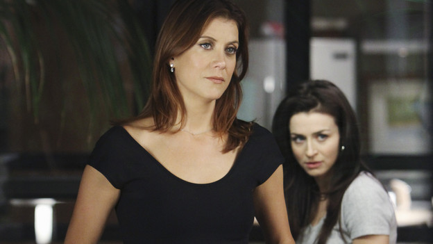 "PRIVATE PRACTICE - ""A Better Place to Be"" - The arrival of Dell's young orphaned daughter, Betsey, stirs up the emotions of everyone in the practice; and Pete and Amelia disagree over a risky surgery to treat a woman who has been experiencing chronic and insufferable pain throughout her pregnancy, on ""Private Practice,"" THURSDAY, OCTOBER 14 (10:01-11:00 p.m., ET) on the ABC Television Network. (ABC/ADAM LARKEY)KATE WALSH, TAYE DIGGS, CATERINA SCORSONE"