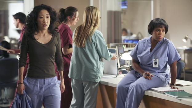 "GREY'S ANATOMY - ""From a Whisper to a Scream"" - A traumatic car accident fills the ER, Cristina has a crisis of conscience about her deceptive teamwork with Burke, and Izzie pushes the boundaries of her probation, on ""Grey's Anatomy,"" THURSDAY, NOVEMBER 23 (9:00-10:01 p.m., ET) on the ABC Television Network. (ABC/KAREN NEAL)SANDRA OH, CHANDRA WILSON"