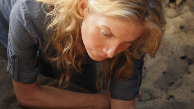 "LOST - ""Something Nice Back Home"" (ABC/MARIO PEREZ)ELIZABETH MITCHELL, MATTHEW FOX"