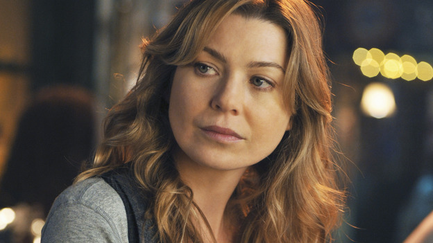 "GREY'S ANATOMY - ""There's No 'I' in Team"" - Meredith has a drink at Joe's after work, on ""Grey's Anatomy,"" THURSDAY, OCTOBER 23 (9:00-10:01 p.m., ET) on the ABC Television Network. (ABC/ERIC MCCANDLESS) ELLEN POMPEO"