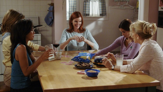 "DESPERATE HOUSEWIVES - ""PRETTY LITTLE PICTURE"" (ABC/DANNY FELD)EVA LONGORIA, BRENDA STRONG, MARCIA CROSS, TERI HATCHER, FELICITY HUFFMAN"