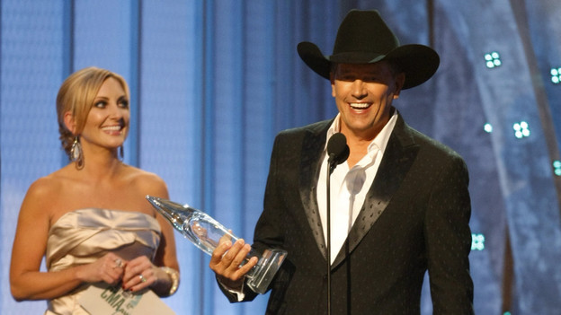 "THE 42ND ANNUAL CMA AWARDS - THEATRE - ""The 42nd Annual CMA Awards"" aired live from the Sommet Center in Nashville, WEDNESDAY, NOVEMBER 12 (8:00-11:00 p.m., ET) on the ABC Television Network. (ABC/CHRIS HOLLO)LEE ANN WOMACK, GEORGE STRAIT"
