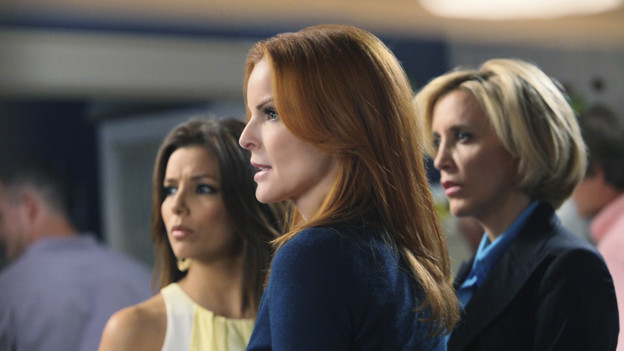 "DESPERATE HOUSEWIVES - ""Everybody Ought to Have a Maid"" - People are quick to pass judgment on others, on ABC's ""Desperate Housewives,"" SUNDAY, OCTOBER 25 (9:00-10:01 p.m., ET). When Juanita's party is on the verge of being ruined after Gaby is deemed a bad mom, Gaby is determined to prove she's a responsible parent; Bree gets defensive when she's judged by a motel maid for having an affair with Karl; Lynette is put off by her new handyman when he defers to Tom for approval on all things; and Susan and Katherine come to blows over Mike. Meanwhile, a lapse in judgment on Danny's part leads to a terrible mishap that Angie and Nick must cover up. (ABC/DANNY FELD)EVA LONGORIA PARKER, MARCIA CROSS, FELICITY HUFFMAN"