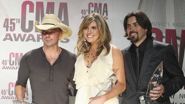"THE 45th ANNUAL CMA AWARDS - GENERAL - ""The 45th Annual CMA Awards"" broadcast live on ABC from the Bridgestone Arena in Nashville on WEDNESDAY, NOVEMBER 9 (8:00-11:00 p.m., ET). (ABC/SARA KAUSS)KENNY CHESNEY, GRACE POTTER, SHAWN SILVA"