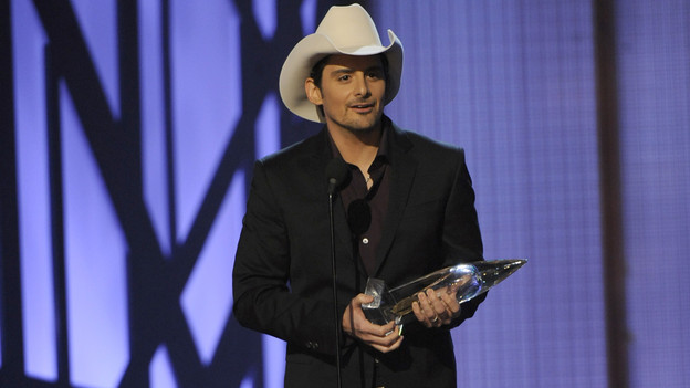 "THE 43rd ANNUAL CMA AWARDS - THEATRE - ""The 43rd Annual CMA Awards"" broadcast live from the Sommet Center in Nashville, WEDNESDAY, NOVEMBER 11 (8:00-11:00 p.m., ET) on the ABC Television Network. (ABC/KATHERINE BOMBOY)BRAD PAISLEY"