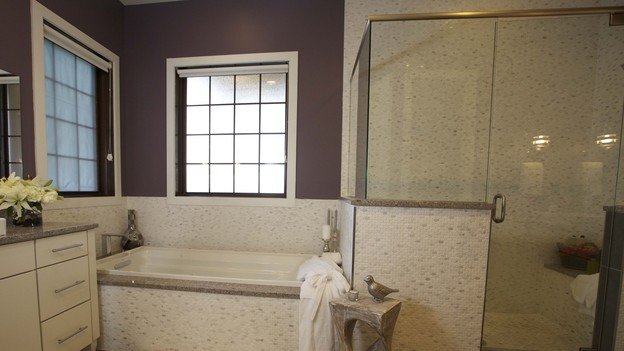 &nbsp;&nbsp;&nbsp;EXTREME MAKEOVER HOME EDITION - Bathroom Photo, &quot;Friday Family,&quot; on &quot;Extreme Makeover Home Edition,&quot; Monday, December 17th (8:00-10:00 p.m. ET/PT) on the ABC Television Network.