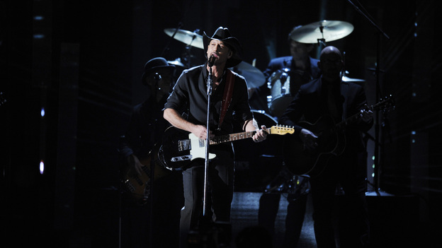 "THE 46TH ANNUAL CMA AWARDS - THEATRE - ""The 46th Annual CMA Awards"" airs live THURSDAY, NOVEMBER 1 (8:00-11:00 p.m., ET) on ABC live from the Bridgestone Arena in Nashville, Tennessee. (ABC/KATHERINE BOMBOY-THORNTON)TIM MCGRAW"
